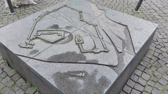 Denkmal zur Fruhgeschichte der Stadt Elberfeld