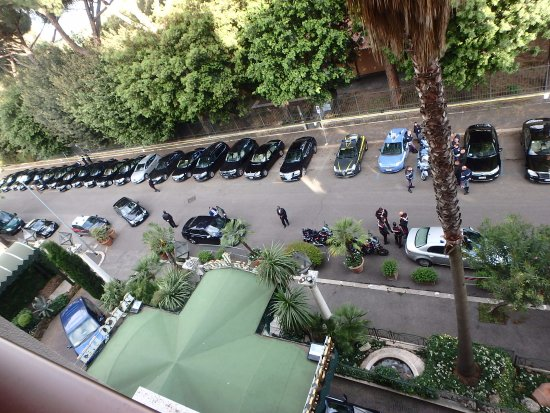 Parco dei Principi Grand Hotel & SPA: Cars lined up for the delegates