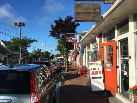 West Harwich, MA: Downtown is a short walk away