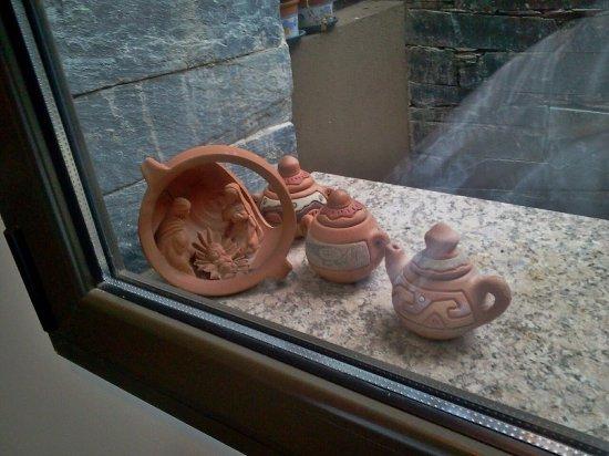 Piedras del Sol: Sobre las ventanas de los pasillos. Todos los detalles muy cuidados.