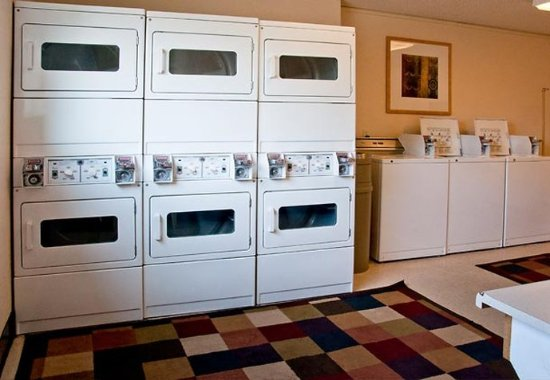 Salem, OR: Guest Laundry Room
