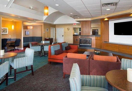 Residence Inn Huntsville: Lobby - Seating Area