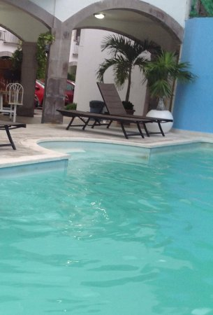 Hotel Hacienda De Castilla Poco Mantenimiento En La Piscina El Agua No Es Transpae