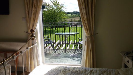 Rowde, UK: View from our room and balcony