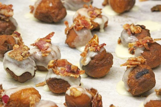 Willow Cakes and Pastries: Baby Maple Bacon Doughnuts
