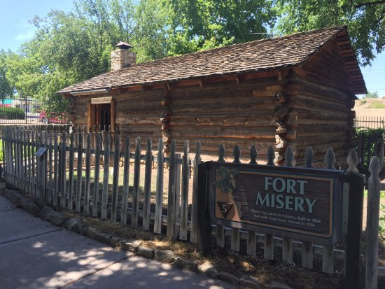 Sharlot Hall Museum: Fort Misery- AZ's oldest log cabin