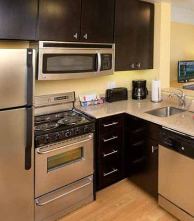 Milpitas, CA: Fully Equipped Kitchen