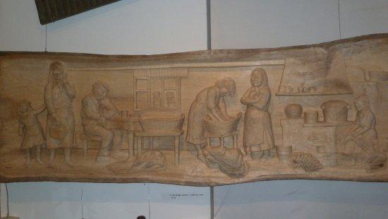 Muzeum Nikifora Krynickiego : Деревянное панно