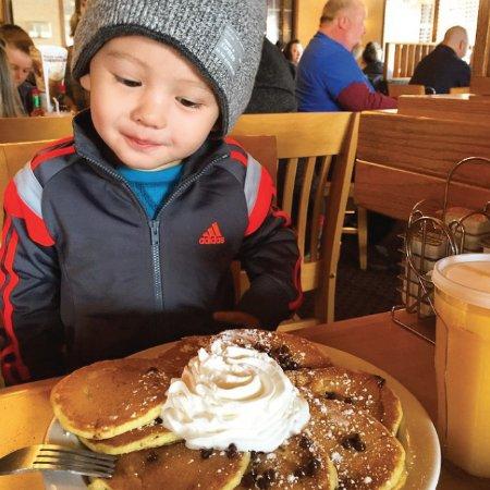 Elmer's Restaurant - Grants Pass: Chocolate Chip Dollar Cakes