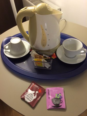 BEST WESTERN Hotel Milton Milano: Set tea time in camera
