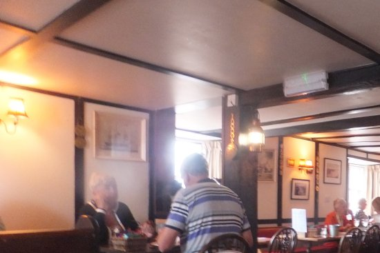 Torcross, UK: The lower floor restaurant