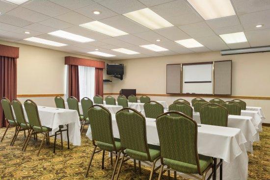 Country Inn & Suites By Carlson: PADUMeeting Room