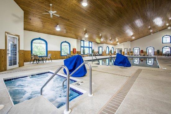 Comfort Suites Wisconsin Dells Area: Pool