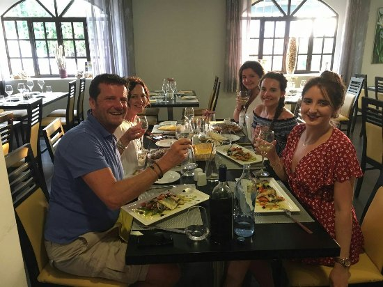 Restaurante O Alagar: Fantastic food experience with Luis and his family