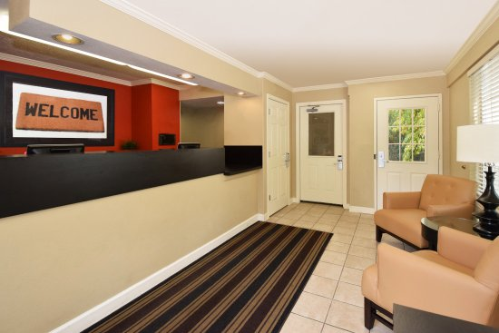 Extended Stay America - Washington, D.C. - Sterling - Dulles: Lobby and Guest Check-in