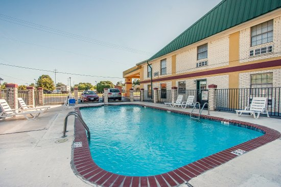 Brownsville, TN: Pool