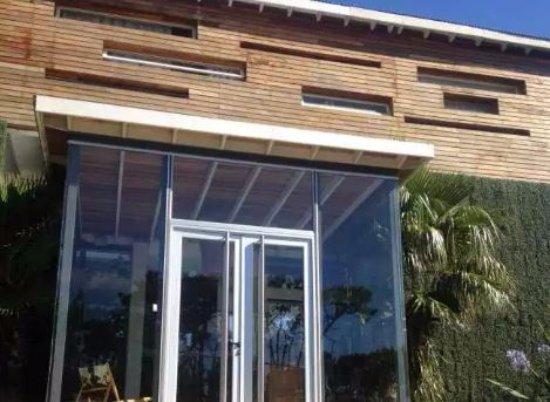 Manantiales, Uruguay: Fachada