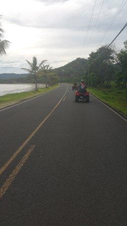 Artola, คอสตาริกา: We traveled on the streets of Flamingo.