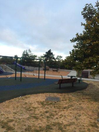 San Mateo, Californië: Coyote Point Magic Mountain Playground