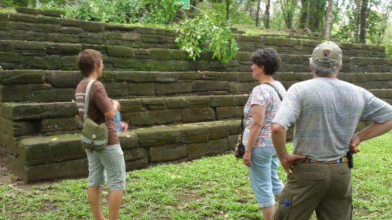 Toledo District, Belice: A guide (left) helps - unless you are already an Archaeologist