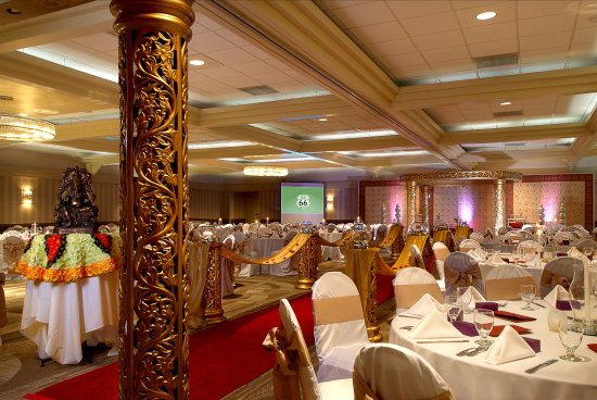 Holiday Inn St. Louis SW Route 66: Customized Wedding Receptions