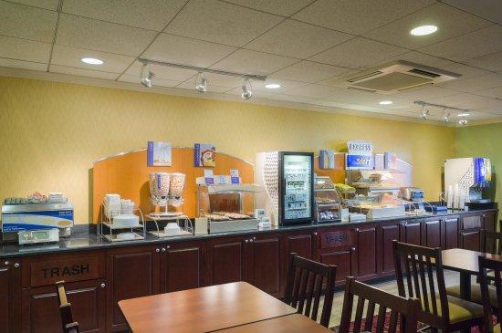 Frazer, PA: Breakfast Buffet