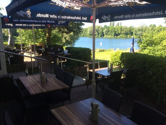 Obertshausen, Tyskland: Ausblick zum See