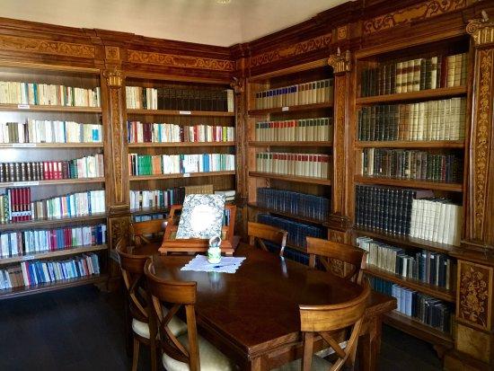 Morcone, Italië: Biblioteca