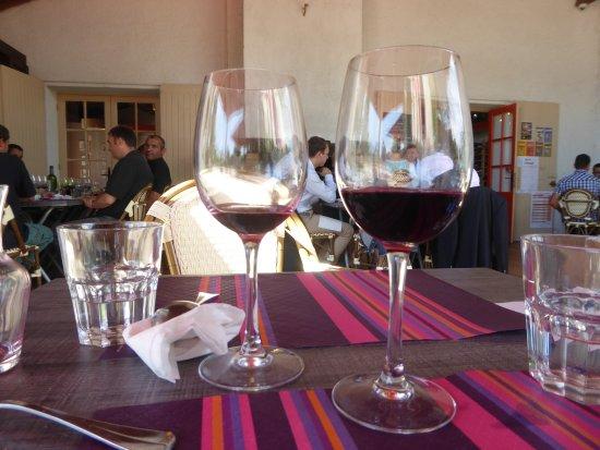 Moulis-en-Medoc, Γαλλία: Terrasse du restaurant