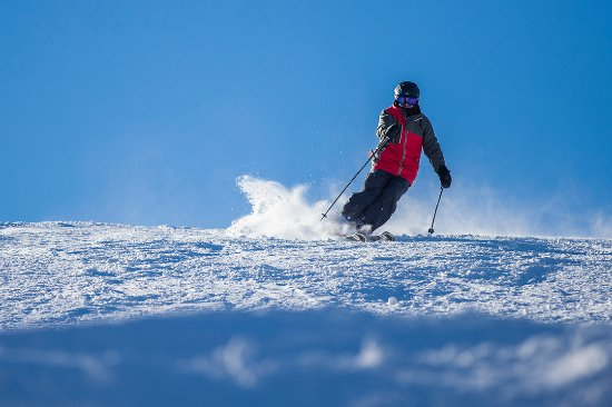 Vernon, Nueva Jersey: Skiing on a blue bird day