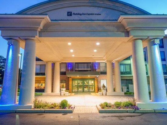 Holiday Inn Express Auburn: Entrance