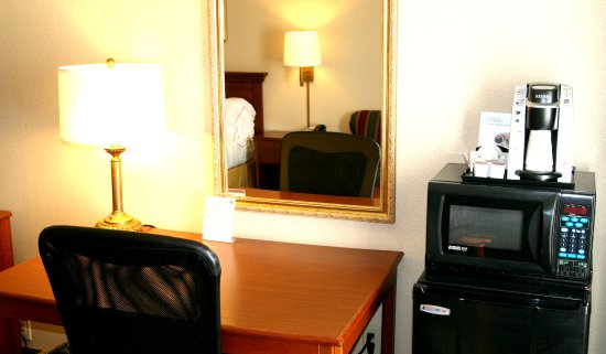 Lincoln, IL: Work space with mini-fridge, microwave and coffee nearby