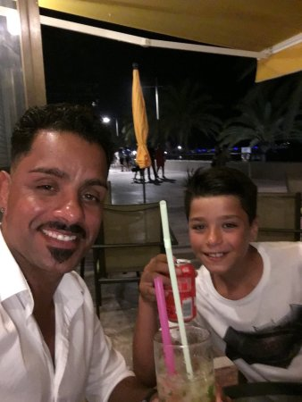 Wir sind in restaurant Kristin in marbella  Lino & Brandon in mojito und cola abend😂😂😂
