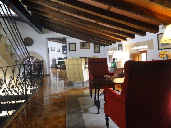 Sa Torre de Santa Eugenia: communal lounge outside out room, didn't see anyone else!