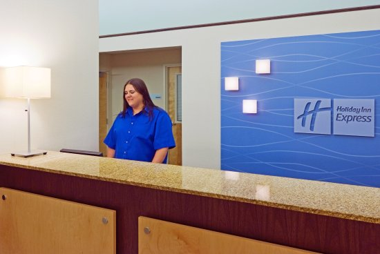Holiday Inn Express Cape Coral/Fort Myers Area: Front Desk