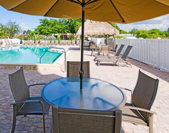 Holiday Inn Express Cape Coral/Fort Myers Area: Swimming Pool