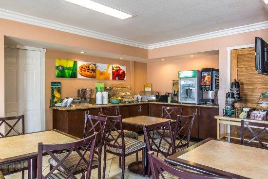 Quality Inn Lake Elsinore: Breakfast