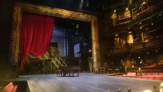 The Royal Shakespeare Theatre : Scenography of a midsummer nights dream