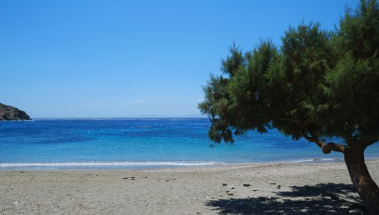 Kionia, Grecia: Beach in front
