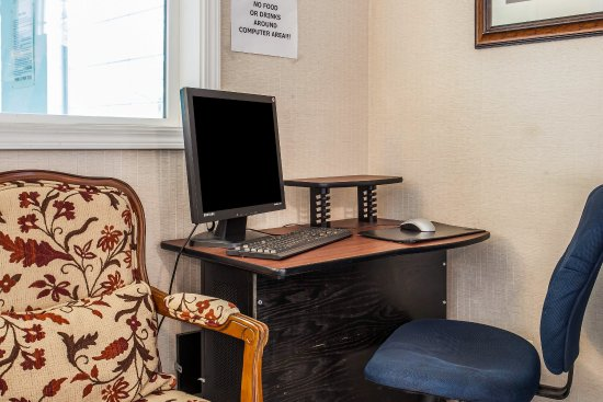 Rodeway Inn: Computer
