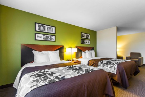 Pleasant Hill, IA: Guest Room