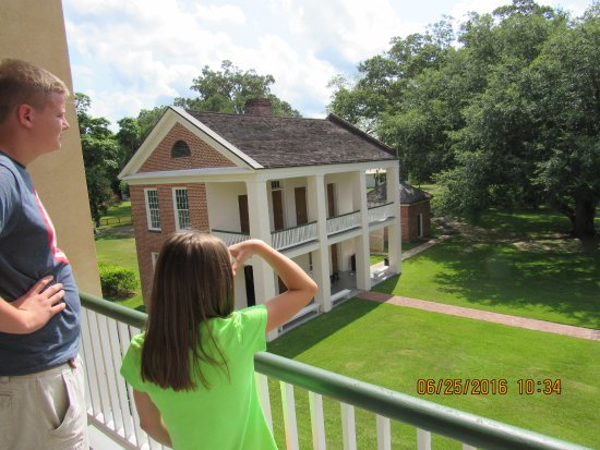 Natchez, MS: Look from the Melrose house