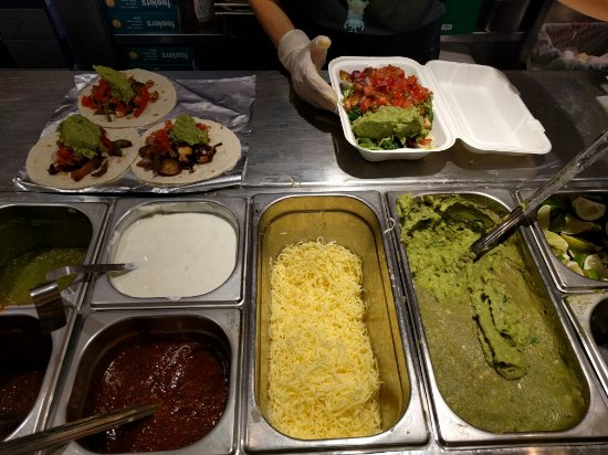 Chilango: Tacos and fajita salad
