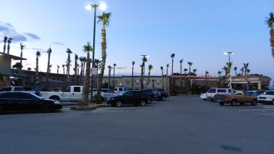 Stagecoach Hotel and Casino: Parking Lot