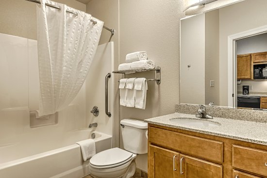 Oak Harbor, Waszyngton: Studio Suite Bathroom