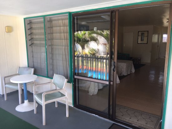 Kiikii Inn & Suites: Balcony in front of room #18 on the 2nd floor...great views!