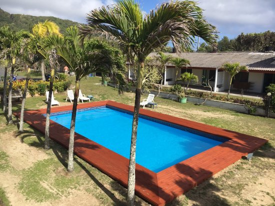 Kiikii Inn & Suites: The pool has recently been refurbished and is great!