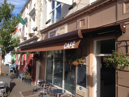 Upstairs Downstairs Cafe: Main Street Clifden