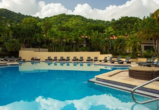 Renaissance St. Croix Carambola Beach Resort & Spa: Outdoor Pool