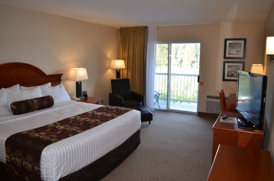 The Inn on Long Lake: Business Class King Room